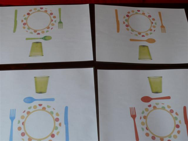 set de table couverts maternelle