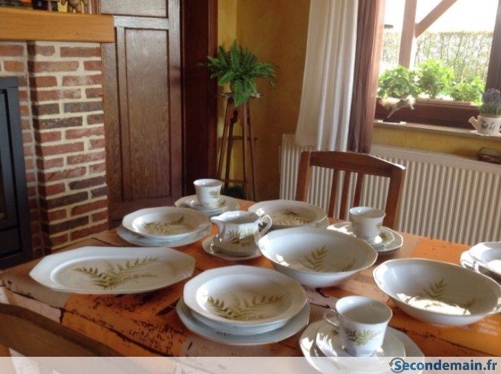 prix service de table a vendre vaisselle maison. Black Bedroom Furniture Sets. Home Design Ideas