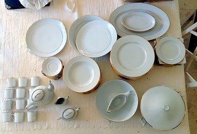 mod le service de table 72 pieces vaisselle maison. Black Bedroom Furniture Sets. Home Design Ideas