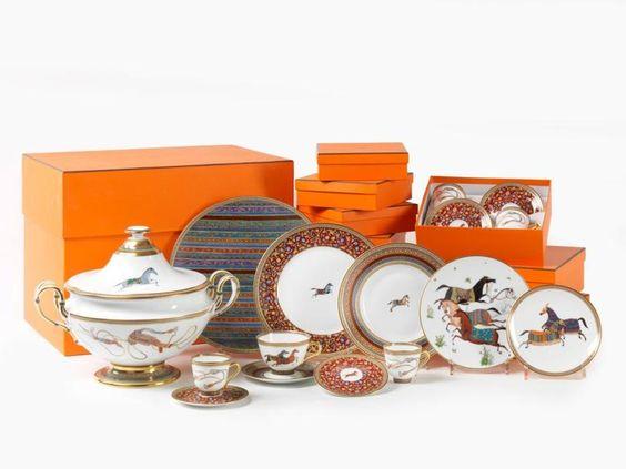18b2df1d3ad0 Photo service de table hermes - Vaisselle Maison