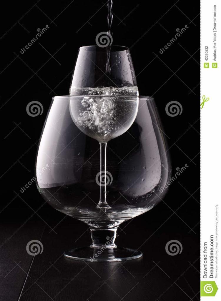 achat verre a vin grand ou petit vaisselle maison. Black Bedroom Furniture Sets. Home Design Ideas