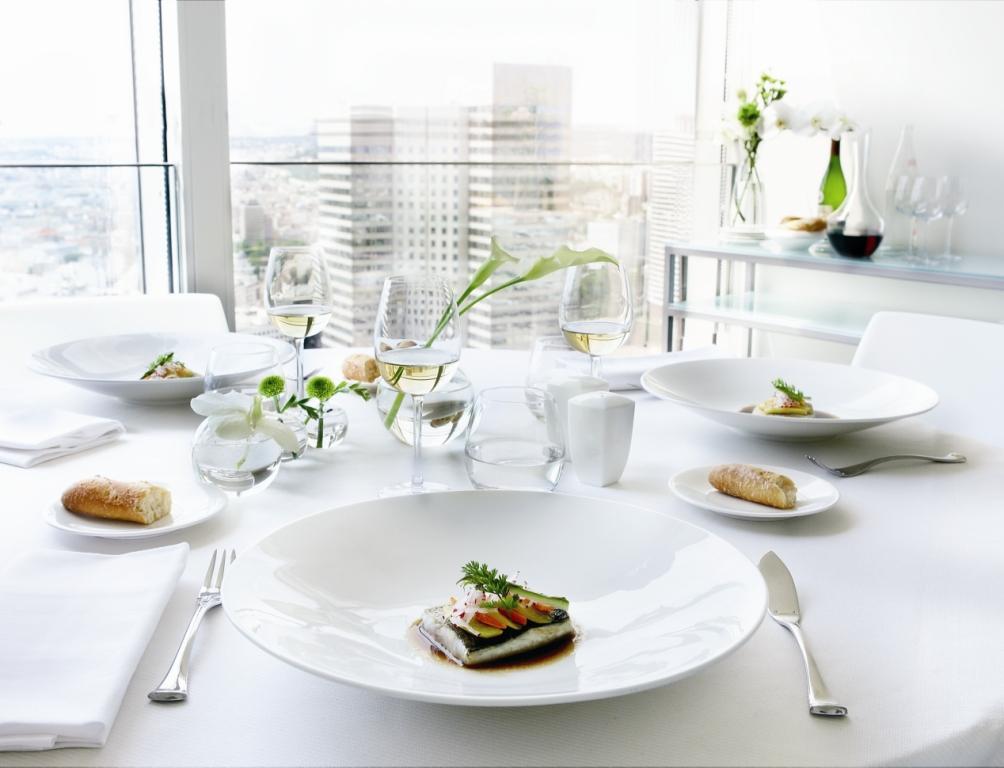 service de table haut de gamme vaisselle maison. Black Bedroom Furniture Sets. Home Design Ideas