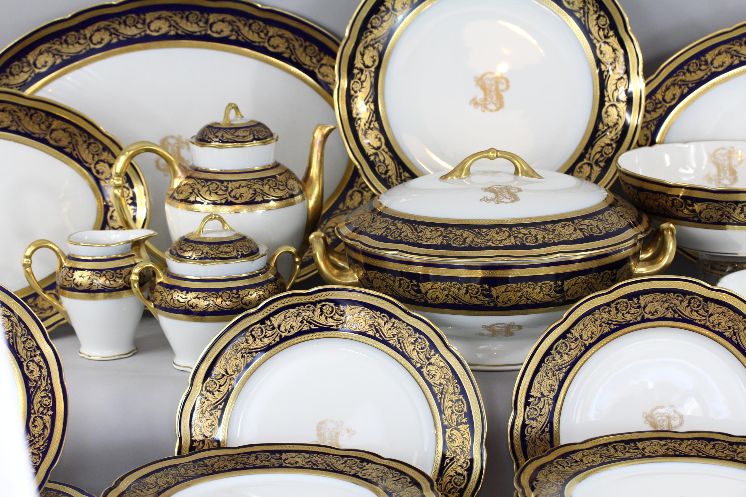 ambiance service de table complet en porcelaine. Black Bedroom Furniture Sets. Home Design Ideas