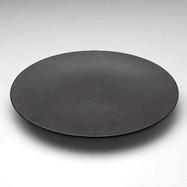 assiette plate noire