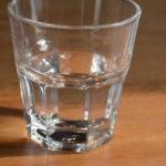 verre a eau a table